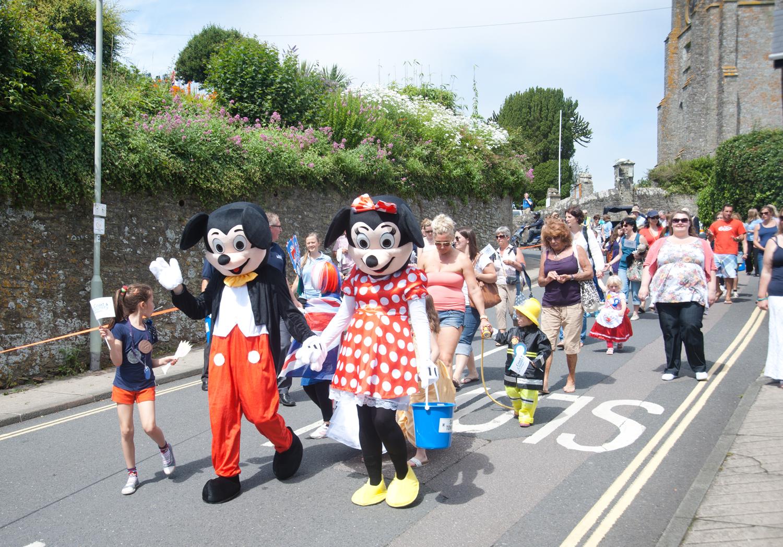 Coast Amp Country Cottages Sponsor Fancy Dress Parade