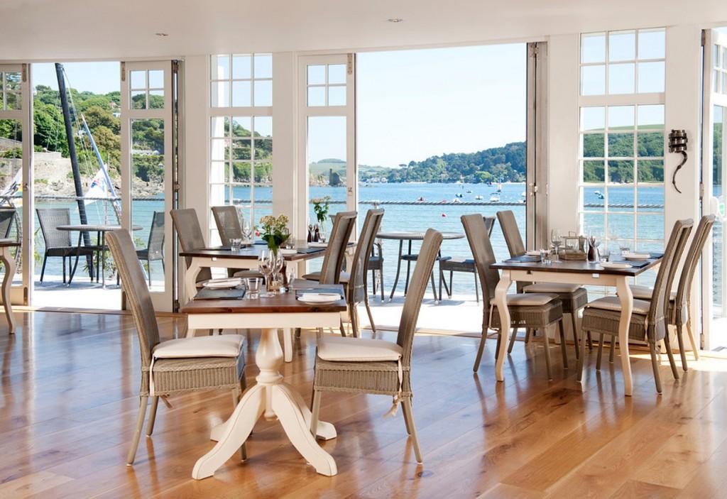beachside-restaurant