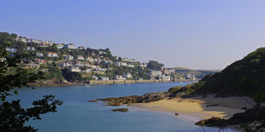 Salcombe retreats by the sea - views over Sunny Cove