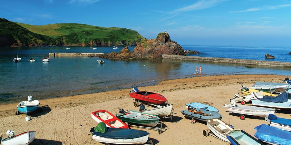 Things to do in South Devon with kids - get down to the beach!