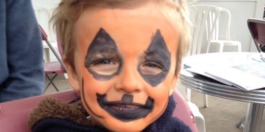 Halloween Activities for Kids face painting