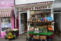Cranch's Pantry, a greencrocer on Fore Street in Salcombe.