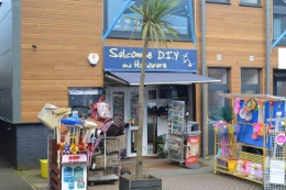 Salcombe DIY & Hardware