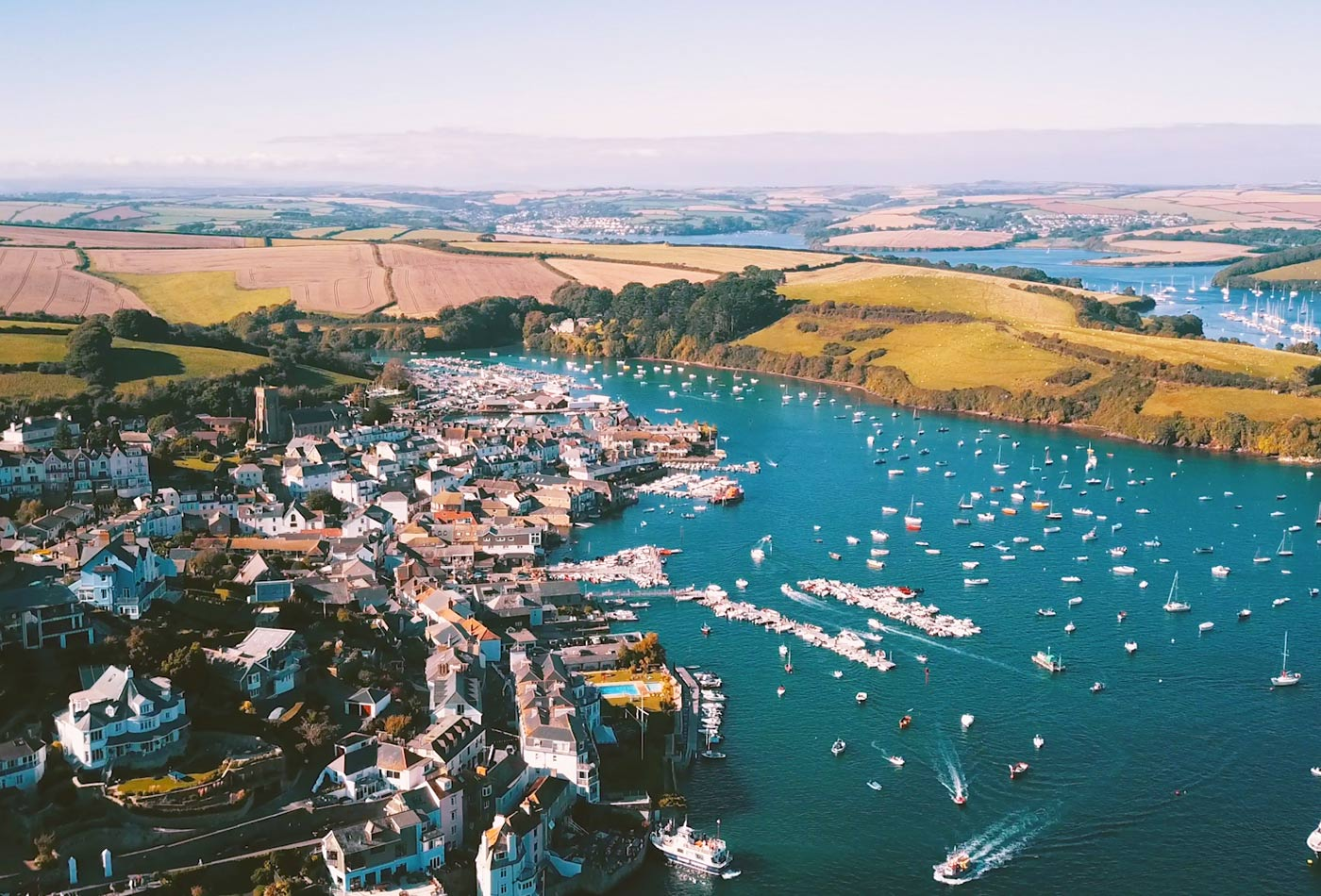 Drone of restaurants in Salcombe and town