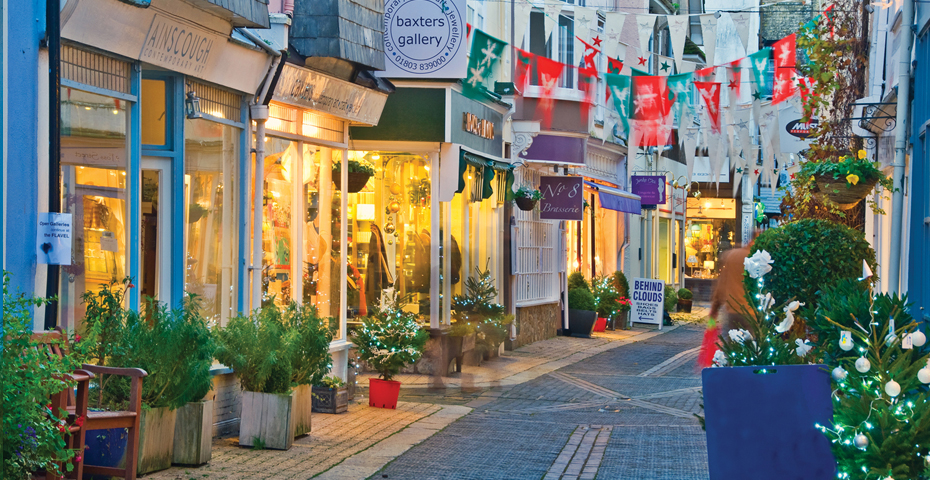 things to do in Dartmouth - explore the shops and galleries