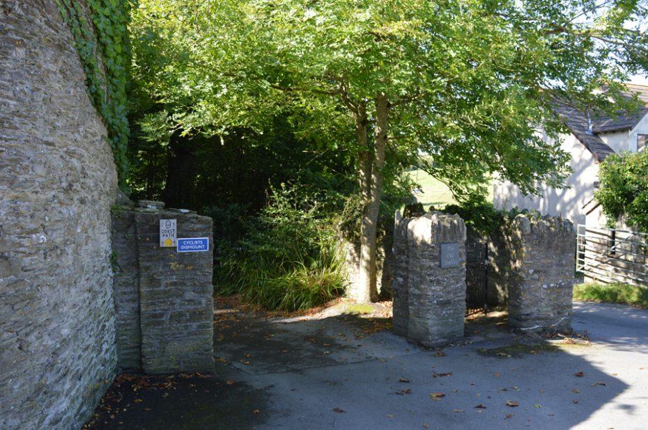 A footpath through Stoke Fleming