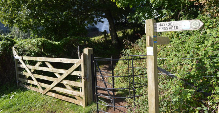 Dartmouth to Dittisham walk - Path to Greenway House