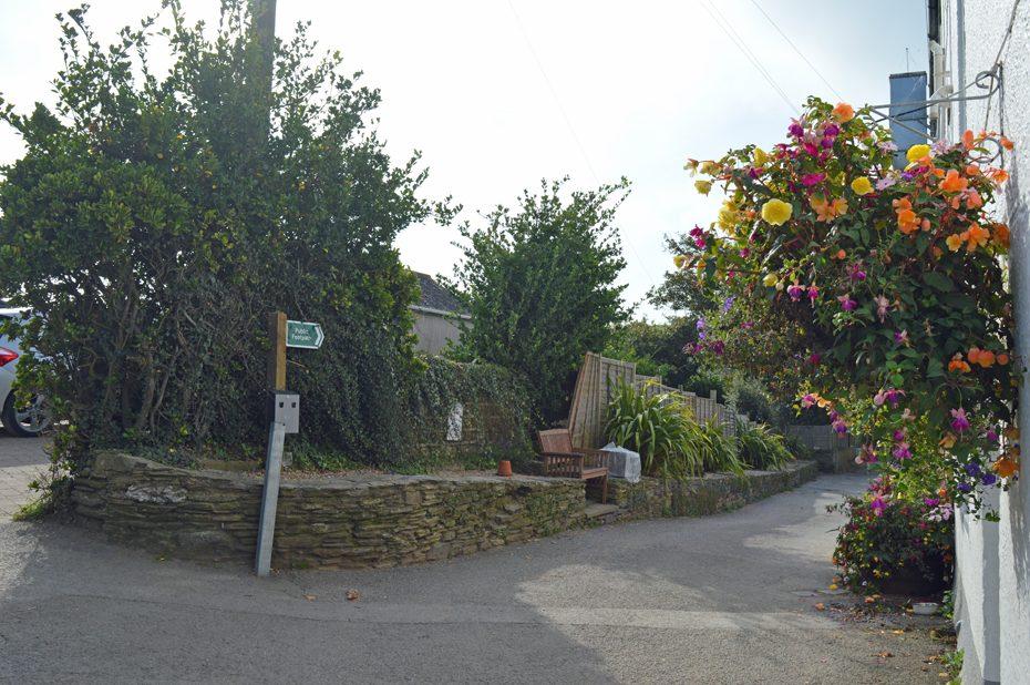 A crossroad by the Sloop Inn