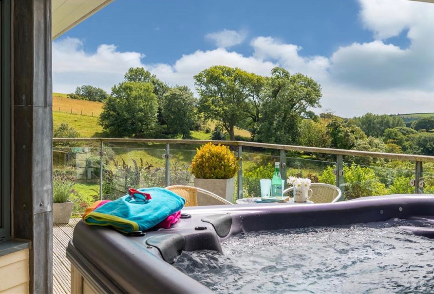 Holiday homes with hot tubs feature image