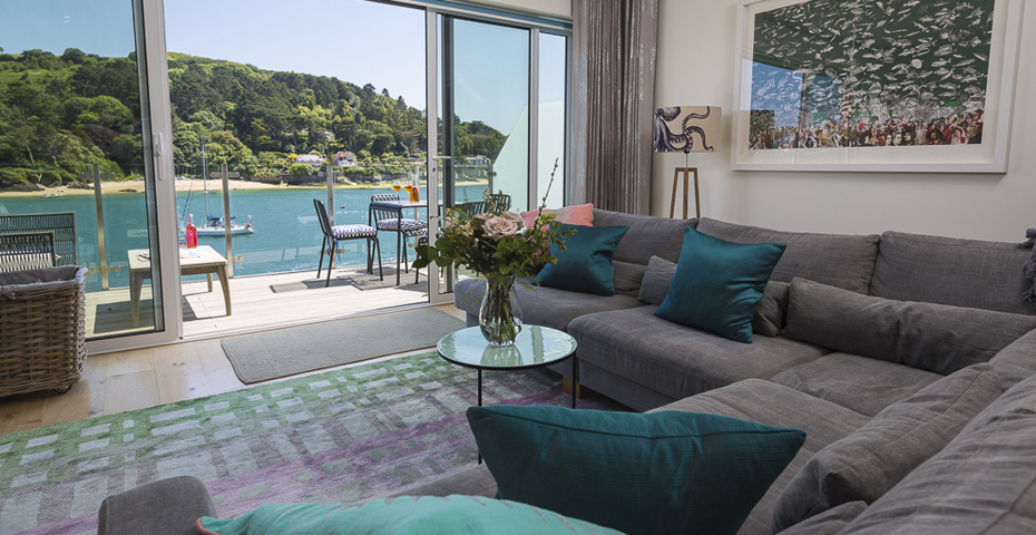 buying a holiday home in Salcombe - Villa 8 Estura