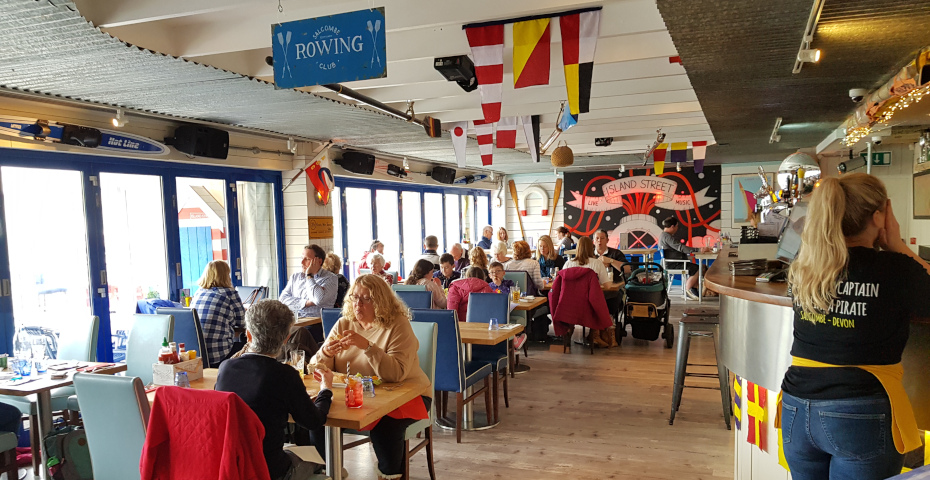 Things to do in Salcombe - Island street bar and grill