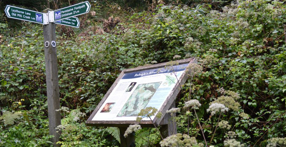 Dartmouth to Dittisham walk - Raleigh Estate Sign