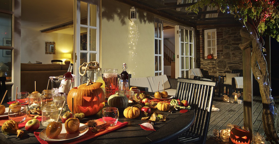 Chota House holiday home with Halloween decortations - October half term in South Devon