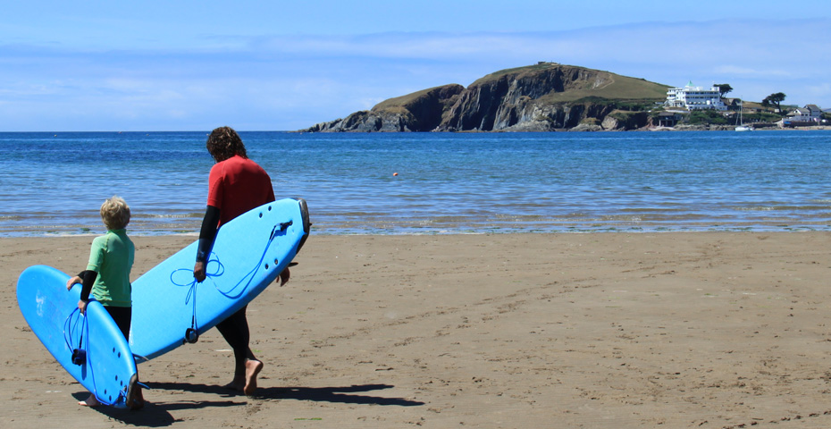 Bantham Beach surf school - paddle boarding