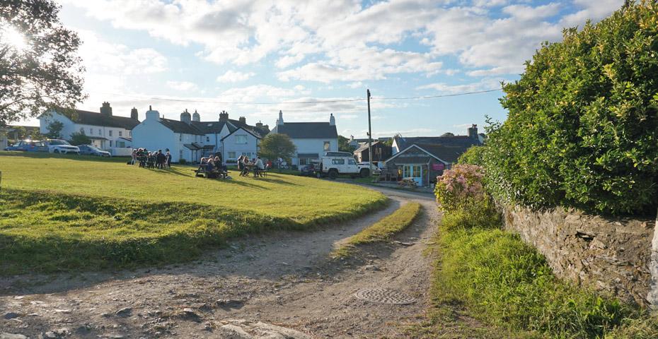Devon pub walks - The Pigs Nose Inn East Prawle