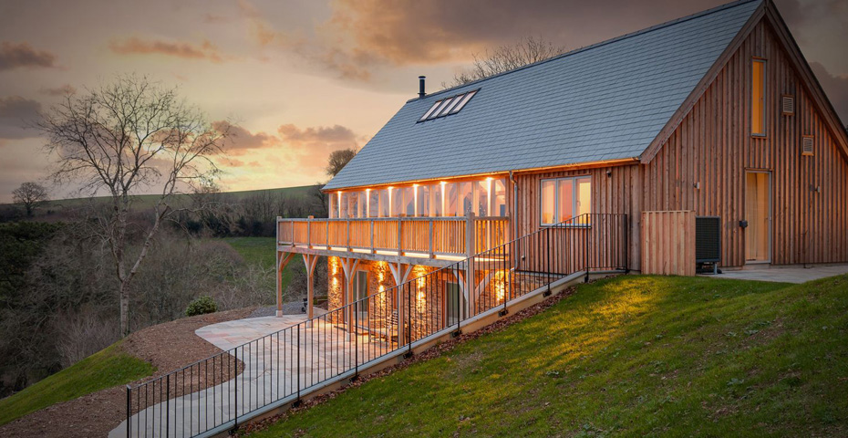 Gitcombe Retreat outdoor lighting - winter maintenance safety