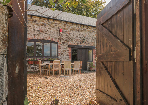 Barn coversion holiday let -holiday let planning permission