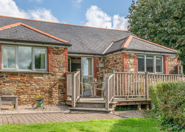 Lodge holiday cottage example - holiday let planning permission
