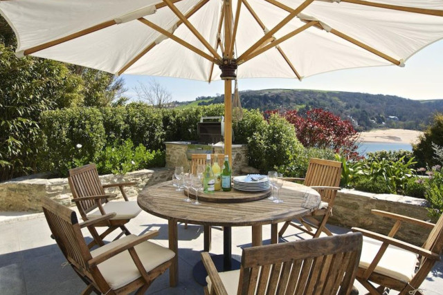 Optimise your holiday home's outdoor living space_covered outdoor space 4