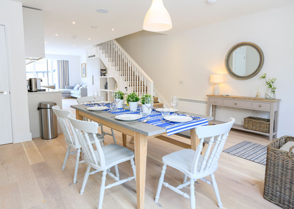 How to furnish a holiday let dining area