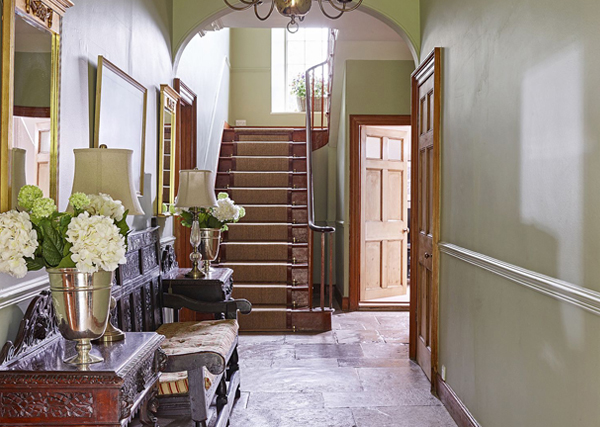 How to furnish a holiday let hallway