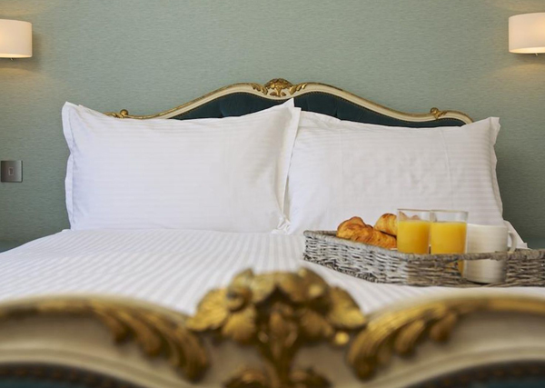 How to furnish a holiday let - luxury